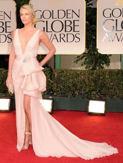 Charlize-Theron-in-Dior-Couture-at-Golden-Globes-2012-e1326692792836