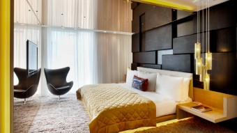 w_london_leicester_square_e_wow_suite_bedroom