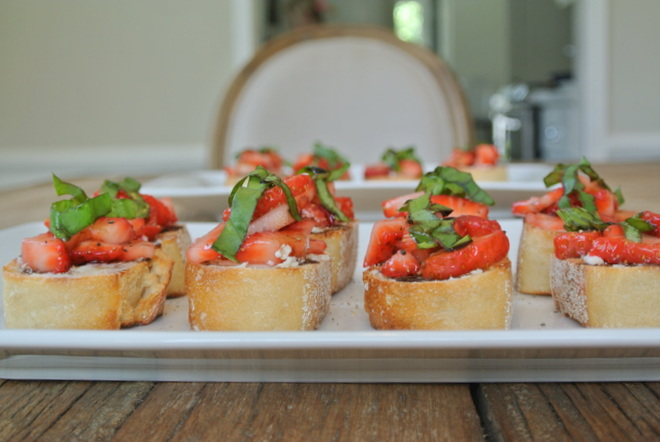 StrawberryBruschetta-001