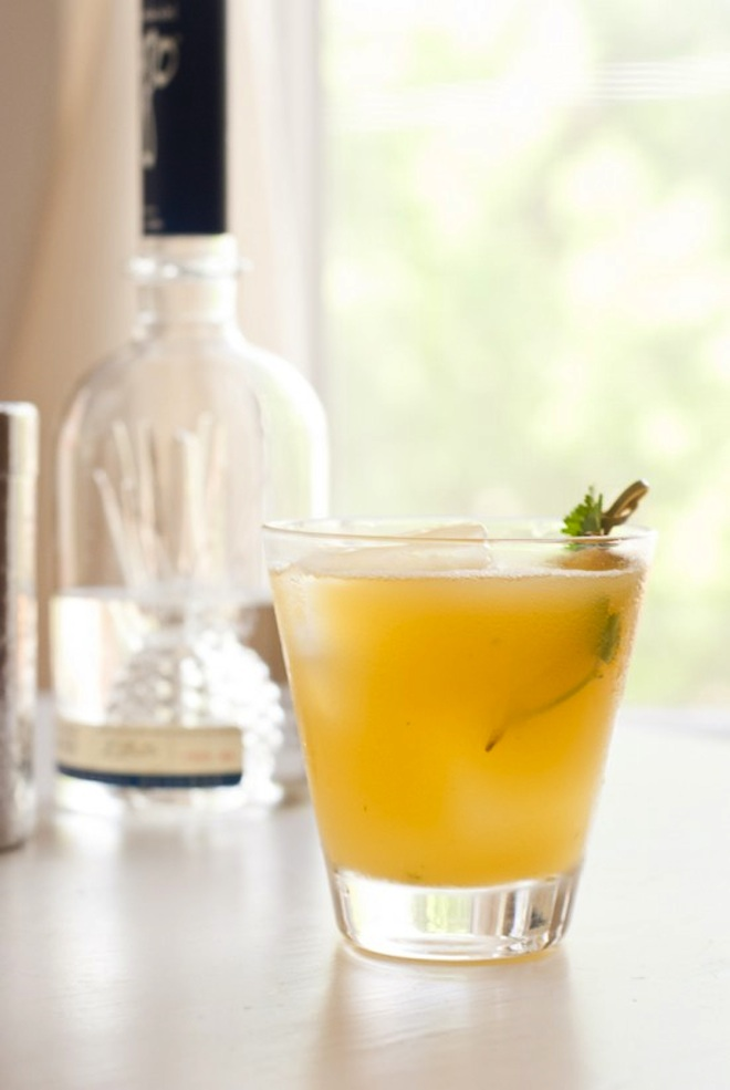 tequila-pineapple-cocktail