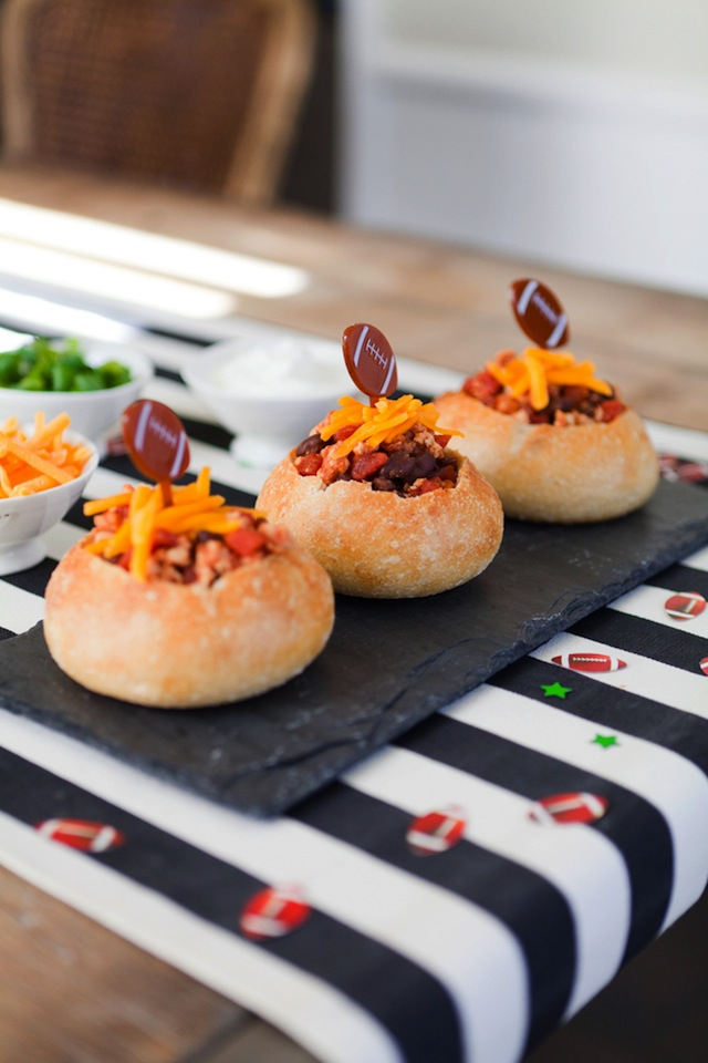 Super Bowl Chili Bread Bowls : The Effortless Chic