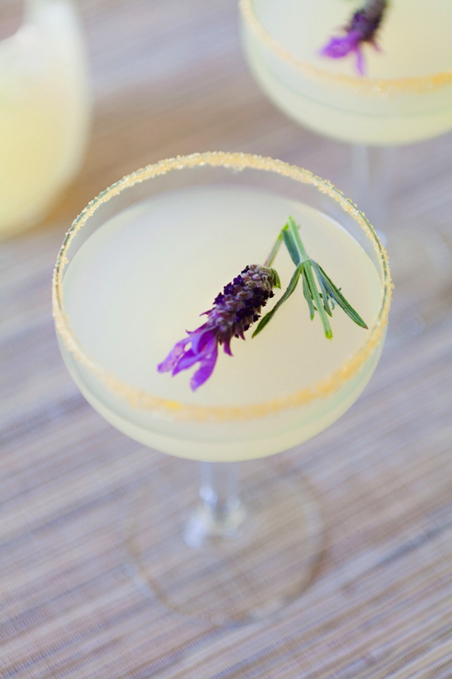 Vodka Lavender Lemonade :: The Effortless Chic 1