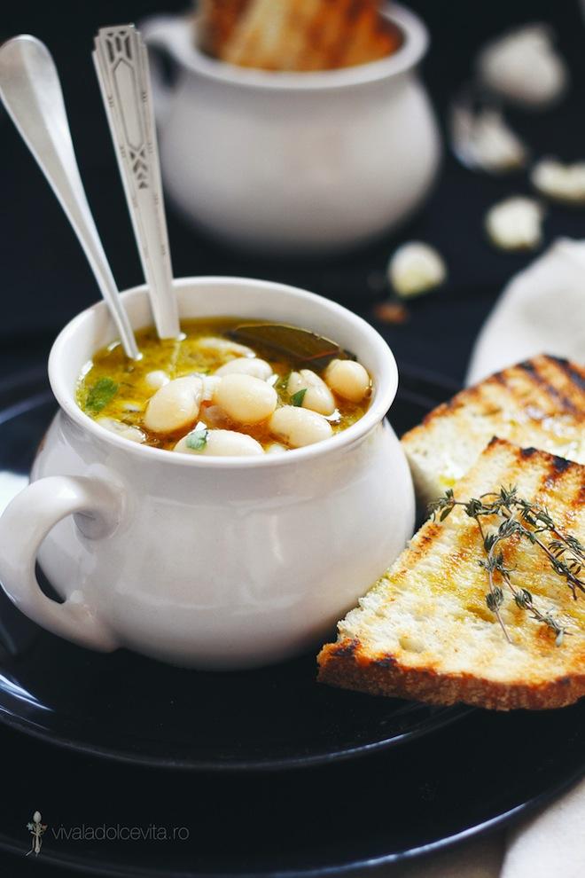 Supa de fasole cu rozmarin