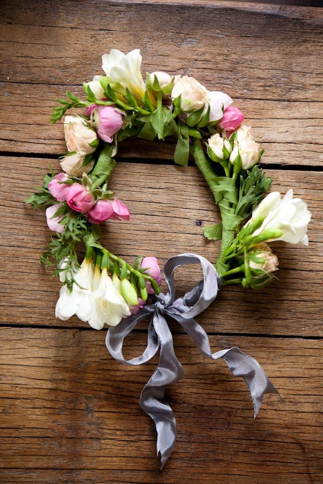 DIY Floral Crown :: The Effortless Chic 9