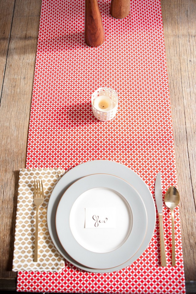 No-Sew-DIY-Fabric-Table-Runner-1