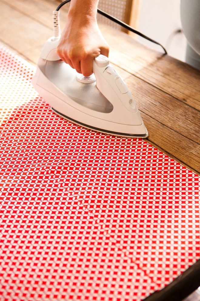 No-Sew-DIY-Fabric-Table-Runner-8