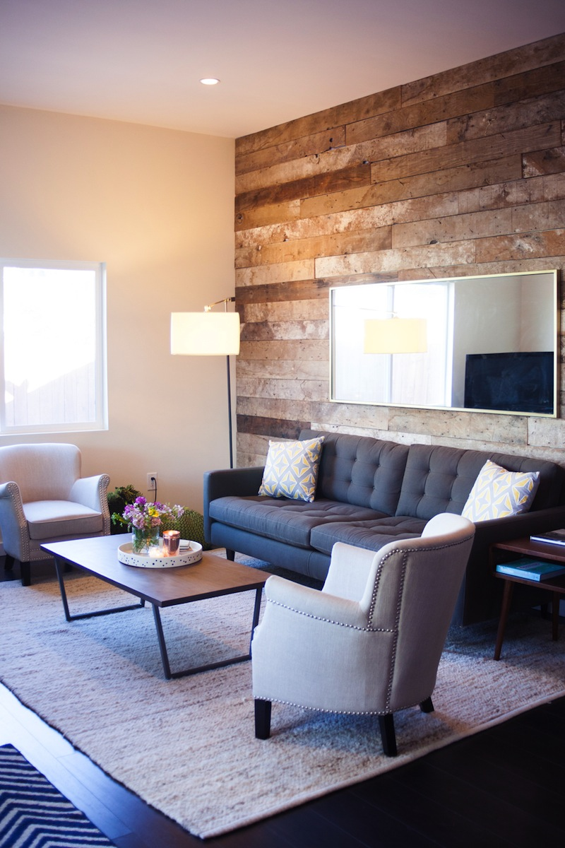 Sneak a peek kate 39 s industrial chic living room the for Industrial chic living room