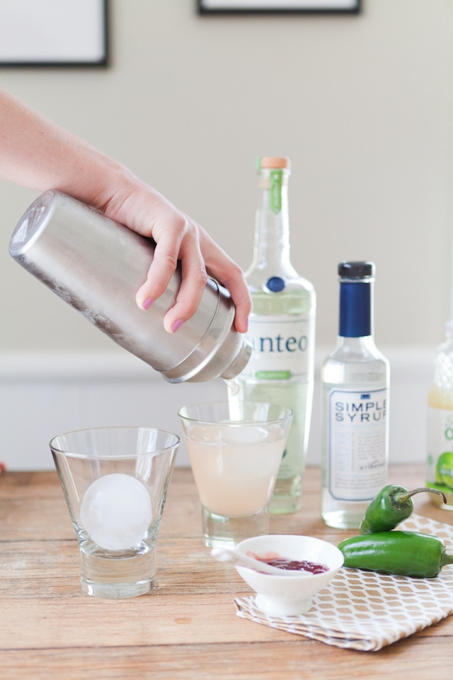 Spicy Strawberry Margaritas :: The Effortless Chic 5