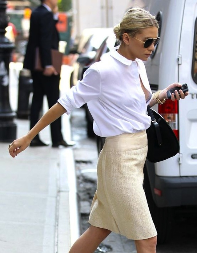 10-Ways-To-Wear-A-White-Shirt 2