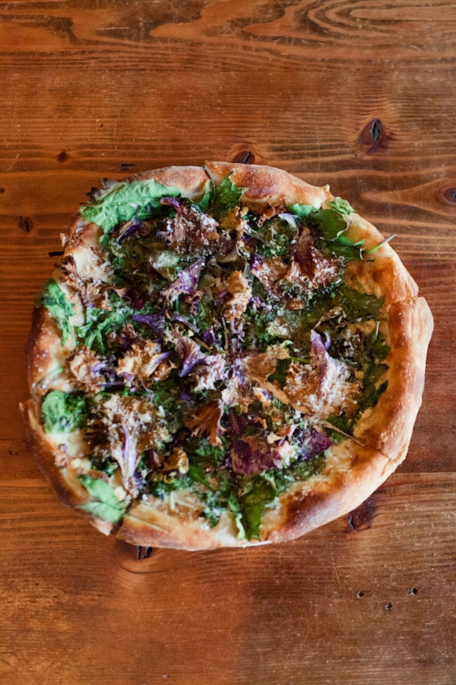 Stella-Barra-Bloomsdale-Spinach-and-Purple-Kale-Pizza-12