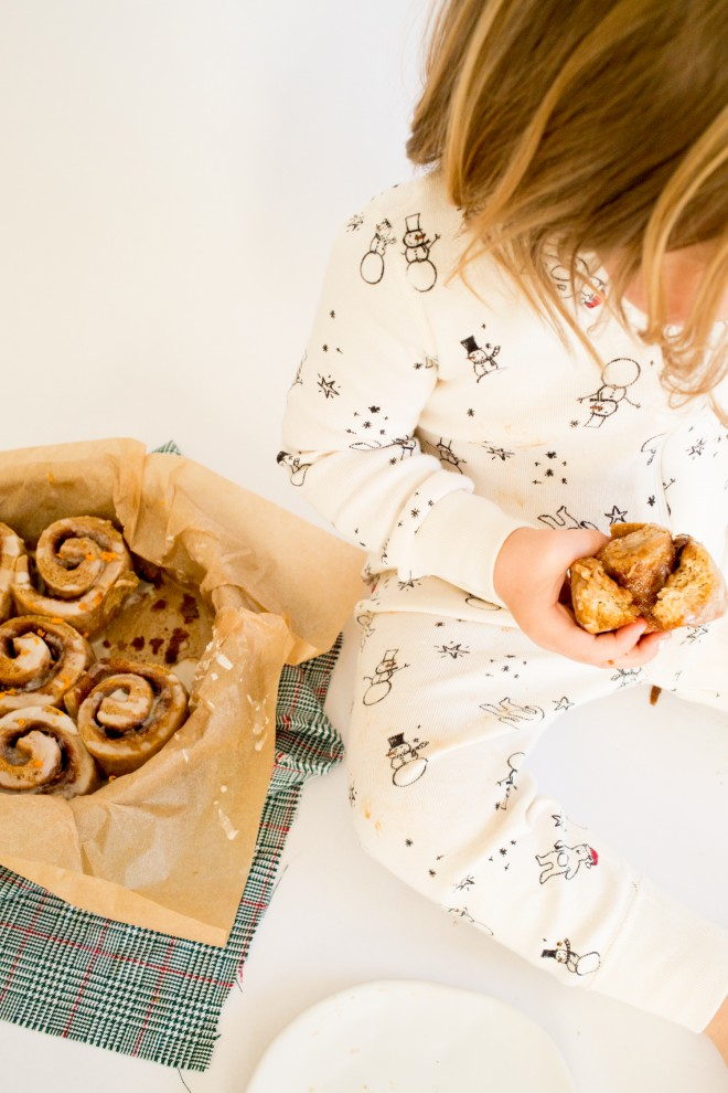 christmas-morning-ginerbread-cinnamon-roll-recipe-3
