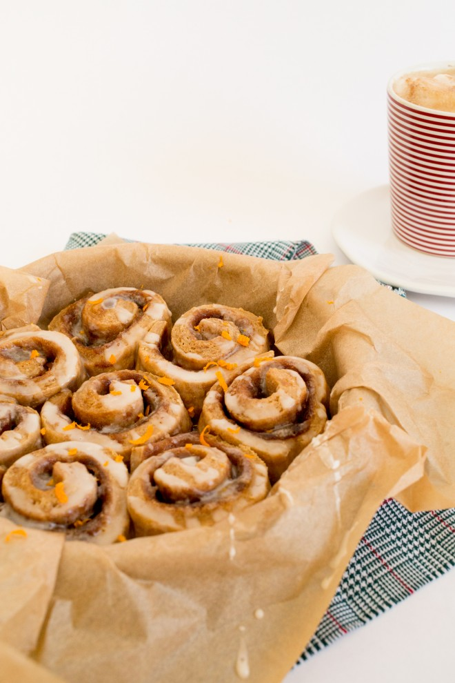 christmas-morning-ginerbread-cinnamon-roll-recipe-5
