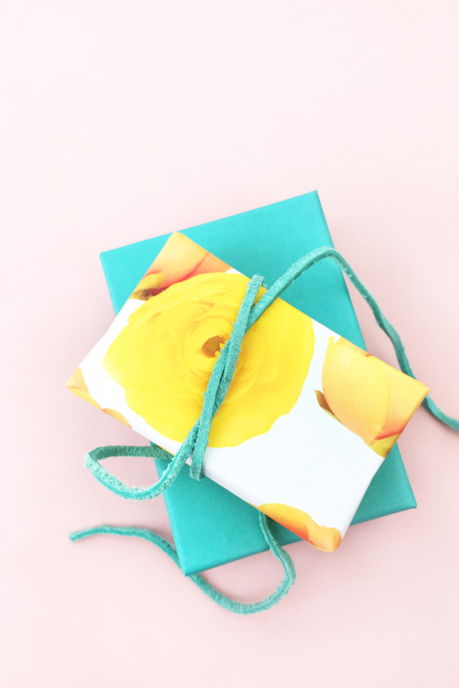 DIY-Floral-Gift-Wrap-1