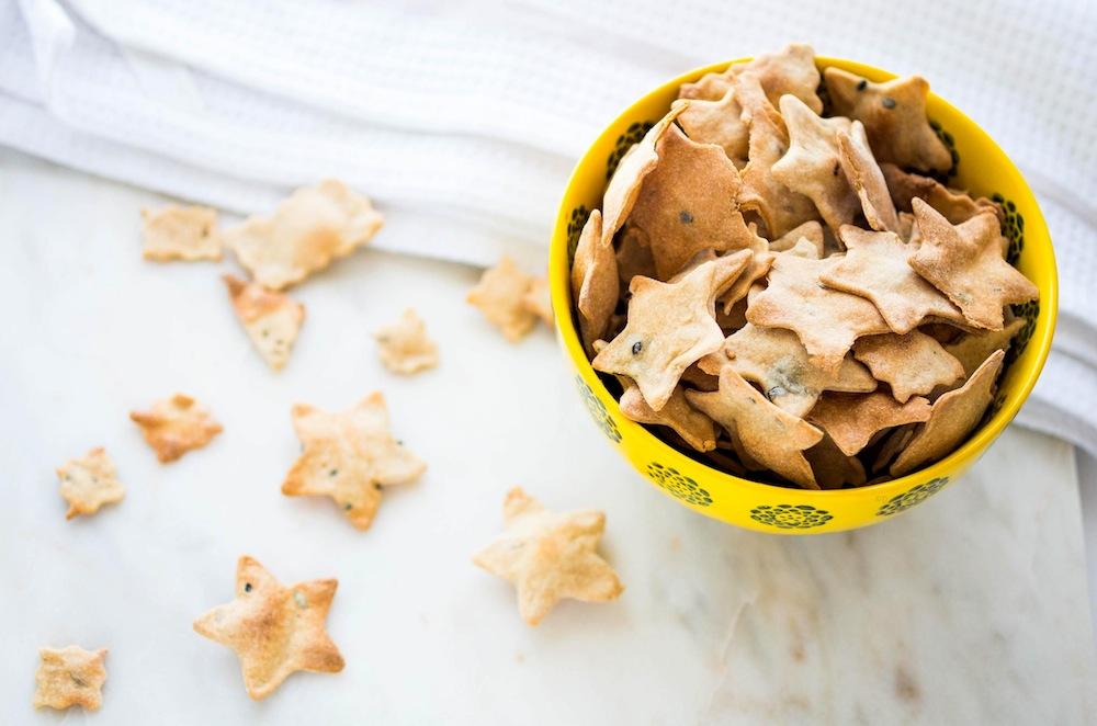 homemade-herb-crackers-3