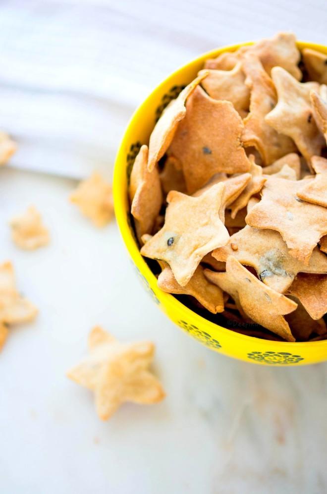 homemade-herb-crackers-4