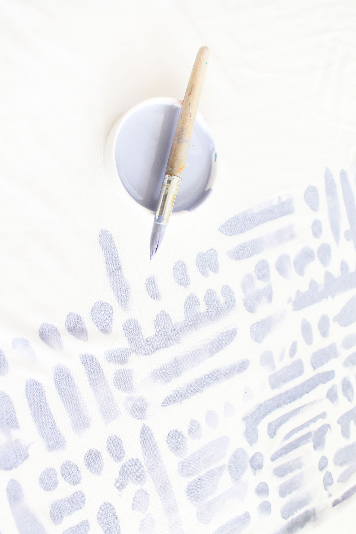 diy-brushstroke-painted-circle-scarf-3