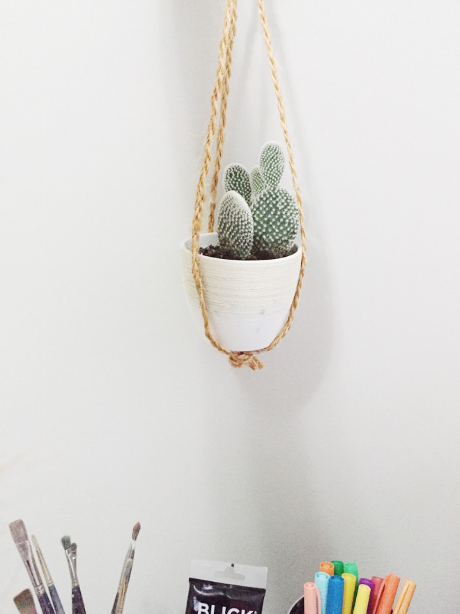 Simple Diy Macrame Necklace: Macrame Plant Hanger - The Effortless Chic