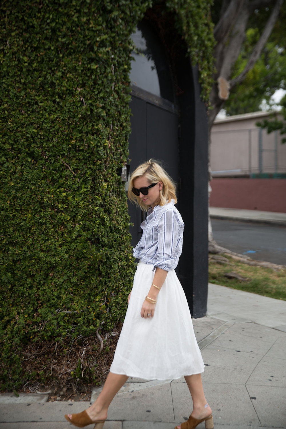 how_to_style_a_white_linen_skirt_2