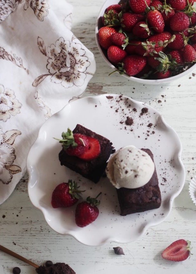 salted-brownies-strawberries-vanilla-bean-ice-cream-homemade-1