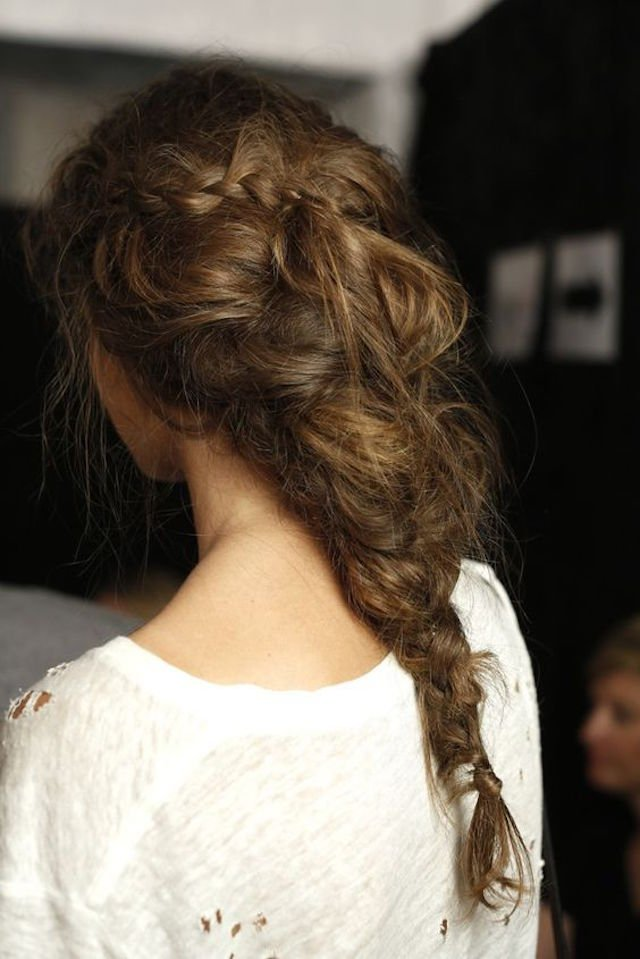 the-perfectly-imperfect-hair-braid-trend-10