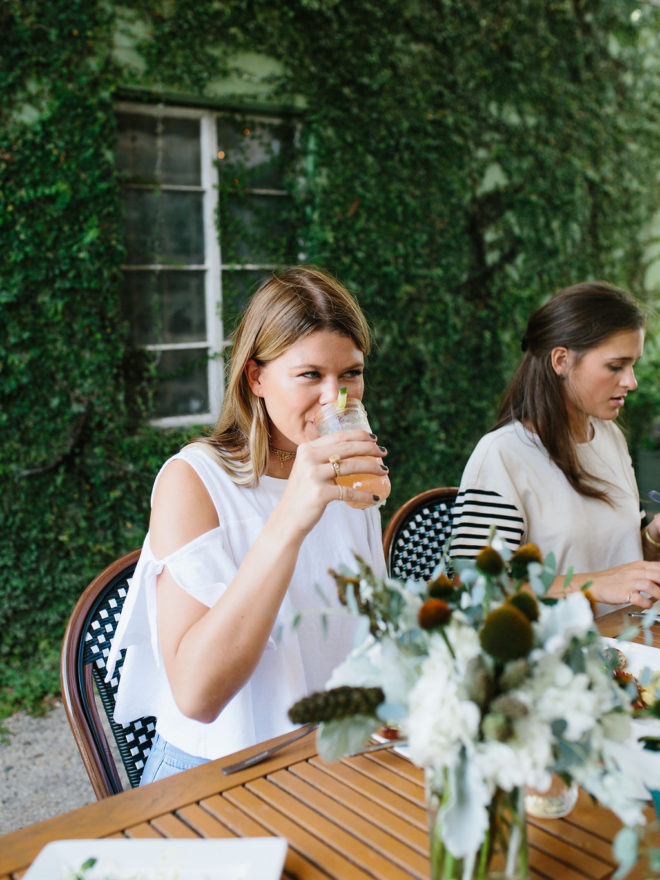 a-stylish-brunch-staying-connected-to-friends-10b