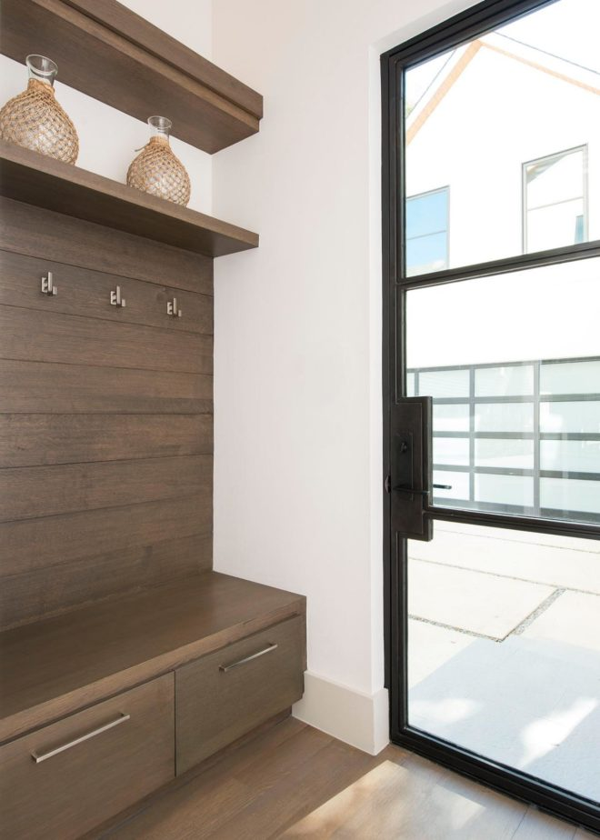 Our austin casa the modern mudroom the effortless chic for Modern mudroom bench