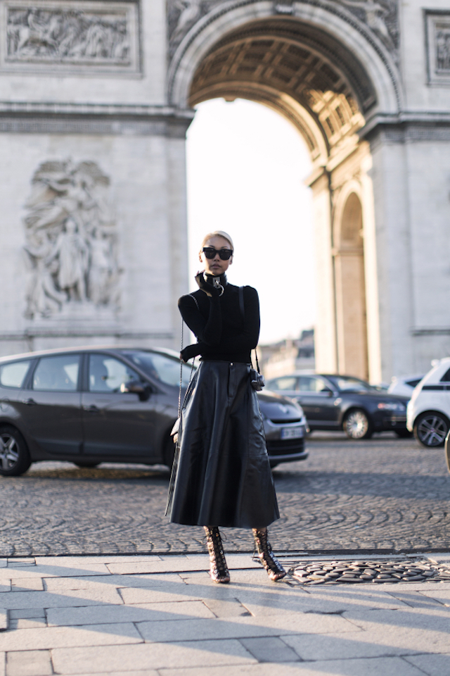 10-ways-to-wear-a-turtleneck-11