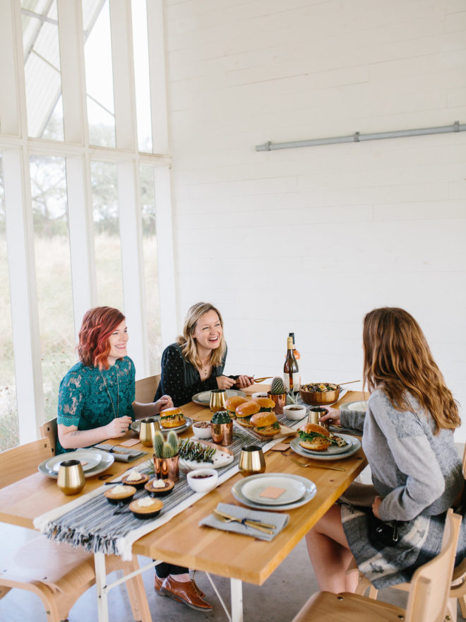 an-effortless-chic-friendsgiving-dripping-springs-13