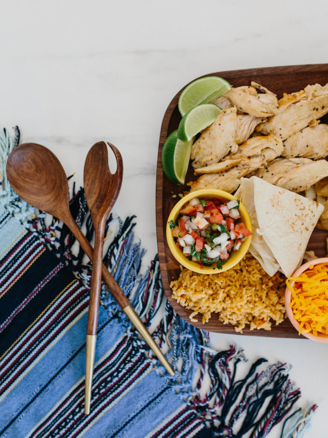 Mi Self Serve >> Recipes || A Self-Serve Fajita Taco Bar - The Effortless Chic