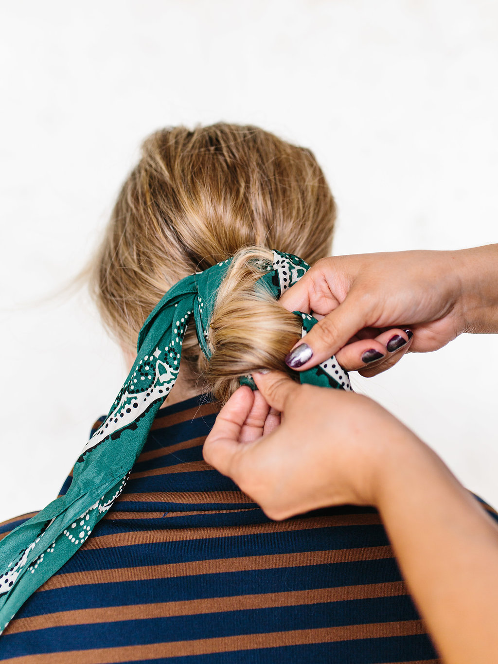 hands on hair scarf