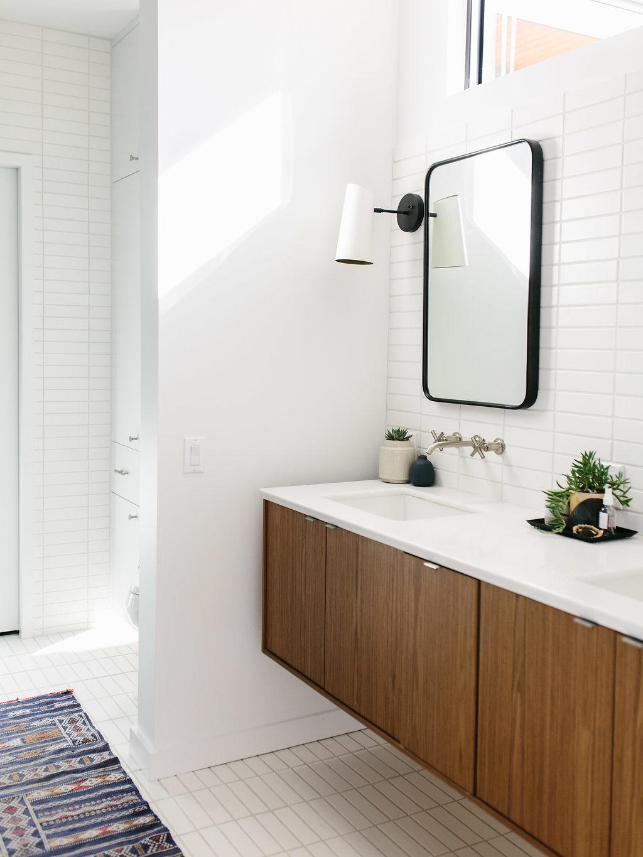 Our Austin Casa || Mid Century Modern Master Bathroom - The ...
