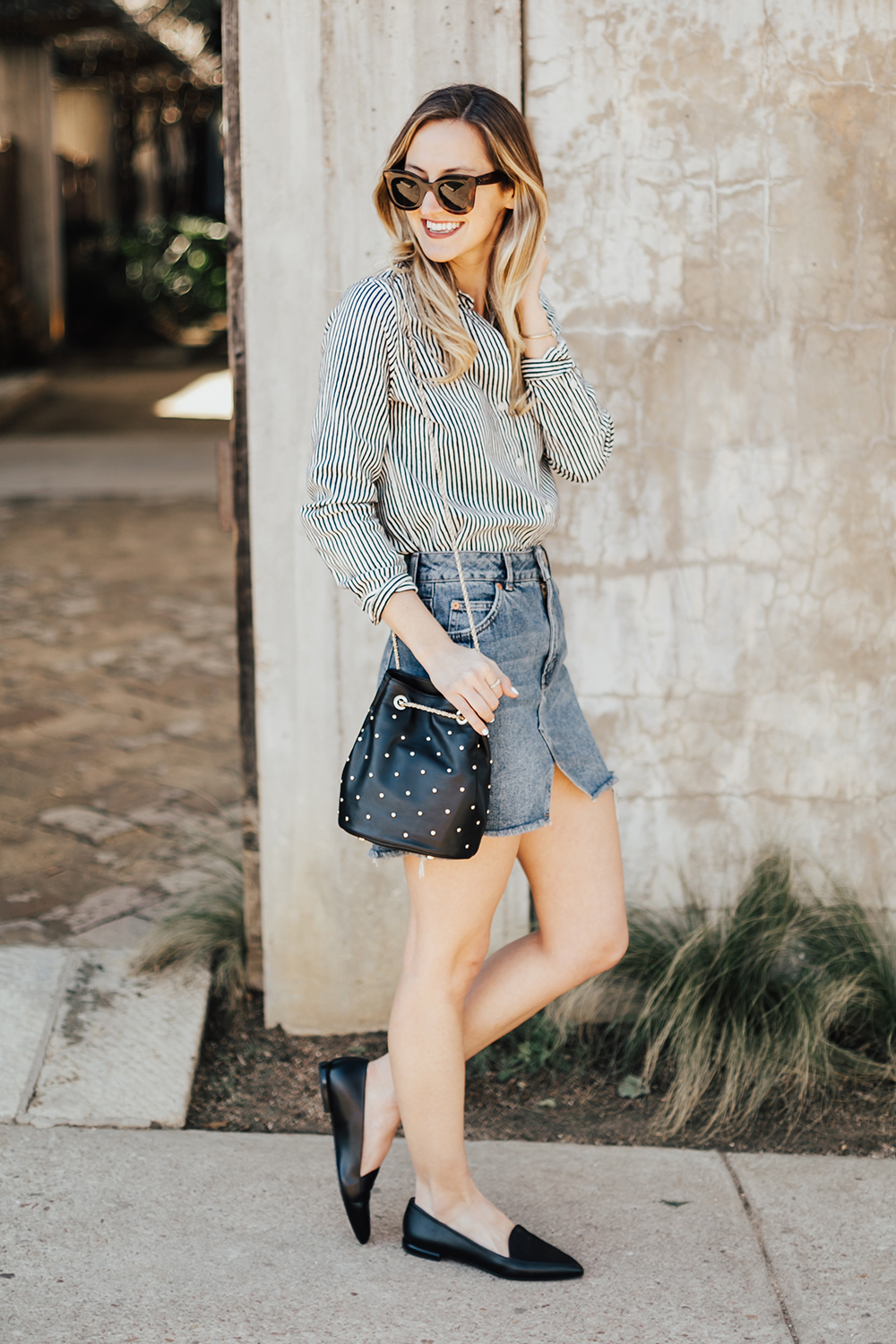 dc6f57473 10 Ways to Wear a Denim Mini Skirt - The Effortless Chic