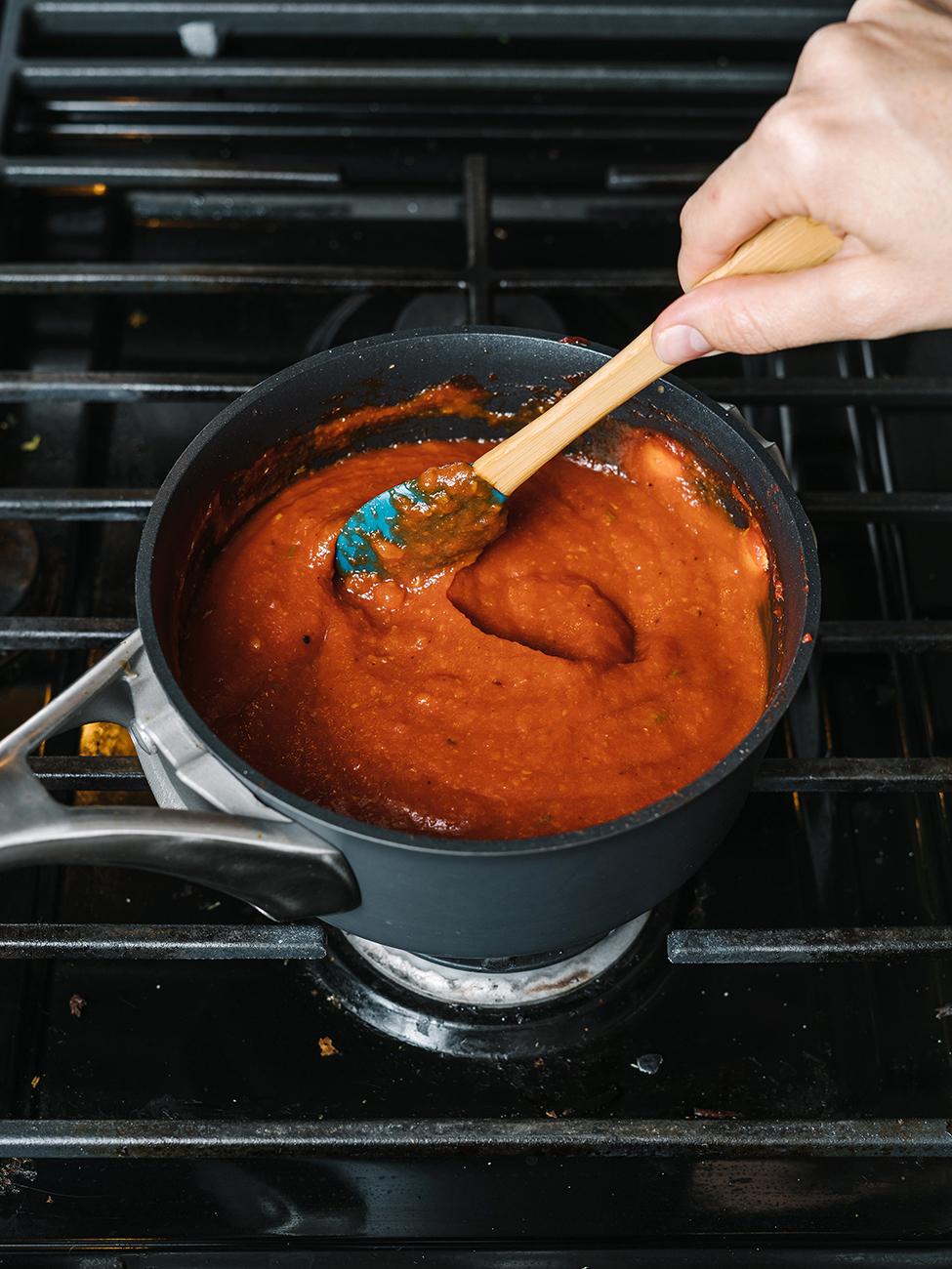 mixing bbq sauce