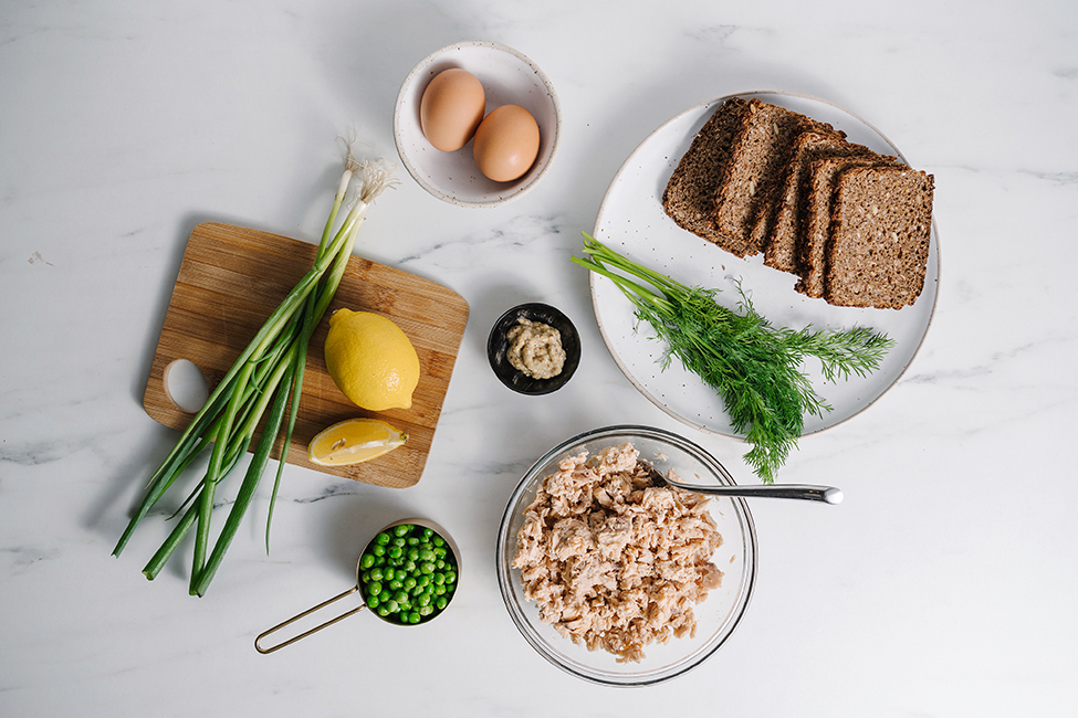 ingredients for salmon burger recipe