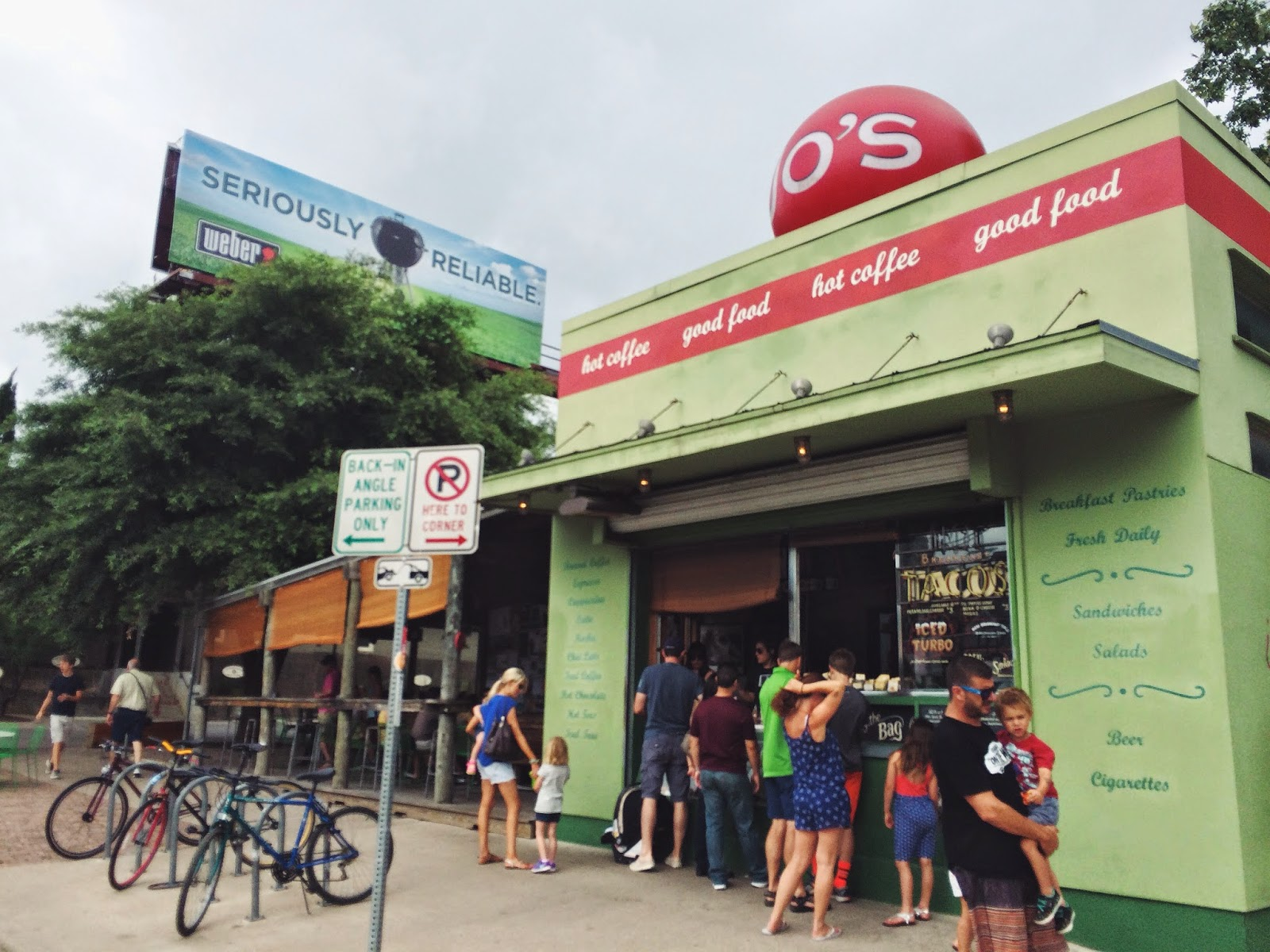 People lining up to eat at a cafe in Austin