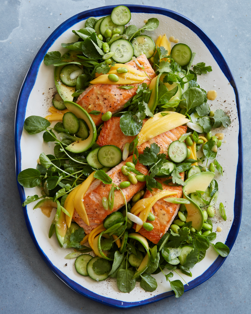 Salmon and salad as part of the detox meal plan