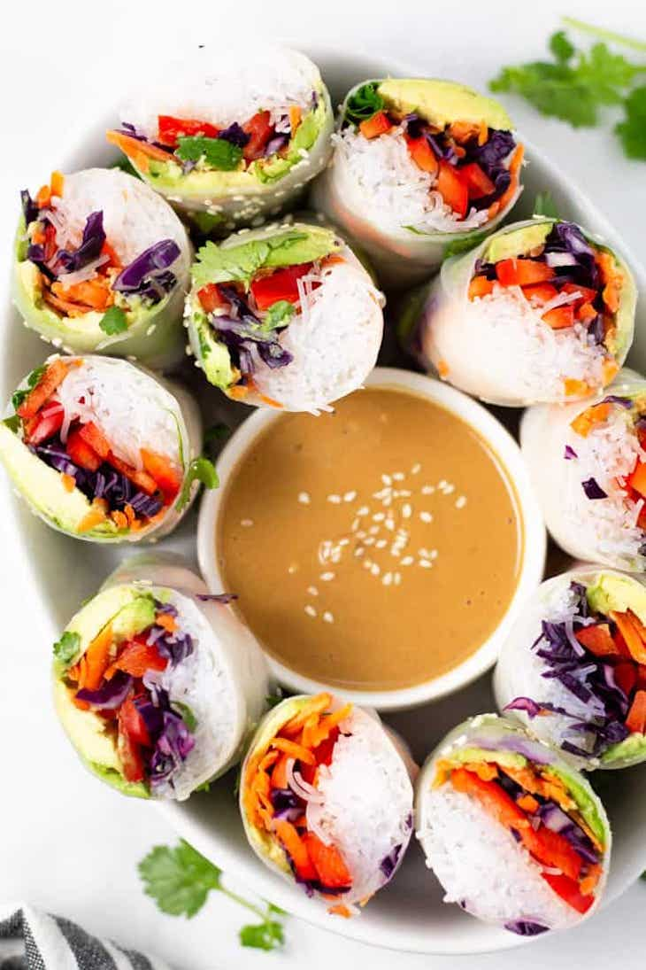 Vegetable spring rolls served with dipping sauce
