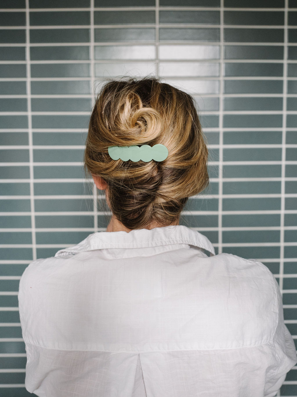3 Minute Hairstyles: How to Do a Modern French Twist — The Effortless Chic